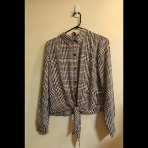 Never been worn Forever21 Houndstooth plaid blouse